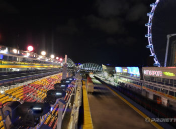 Singapore Grand Prix 2017: Projectors installation above the race track