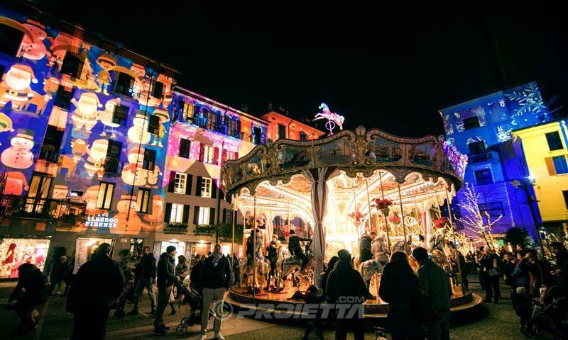 Piazza Volta, Como, luci di Natale