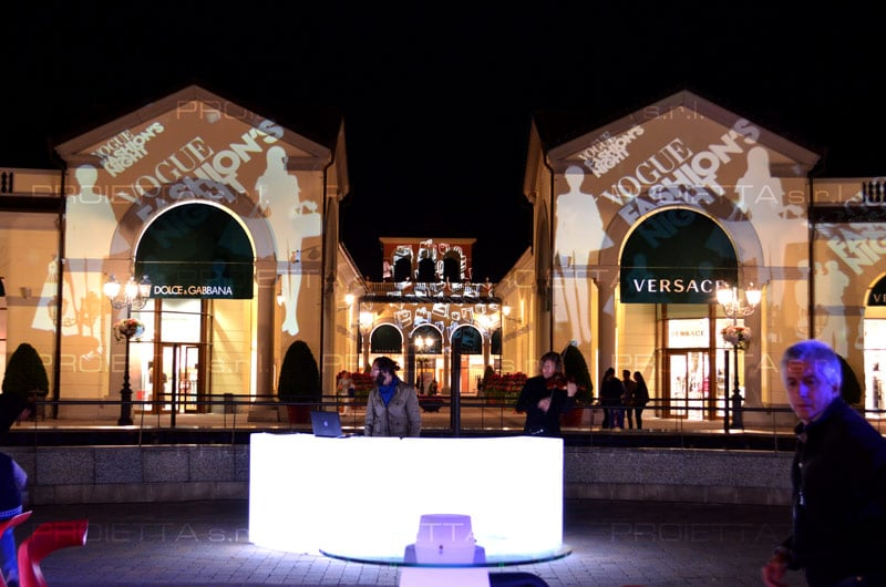 McArthurGlen Outlet Christmas Projections Mapping Projector